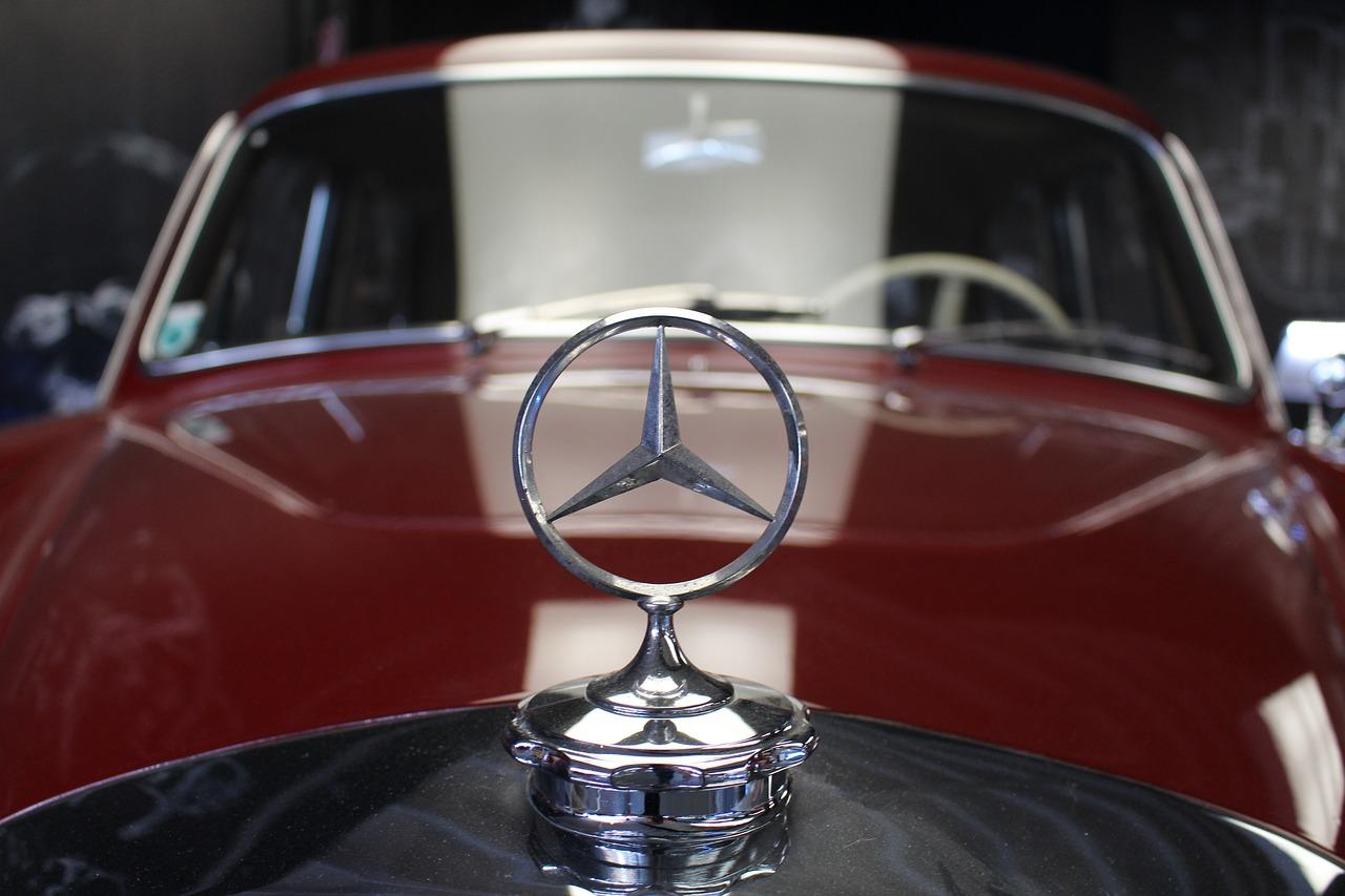 estrategias de comunicación online: branding Mercedes