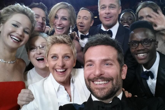 marketing con messaggi subliminali the oscars selfie
