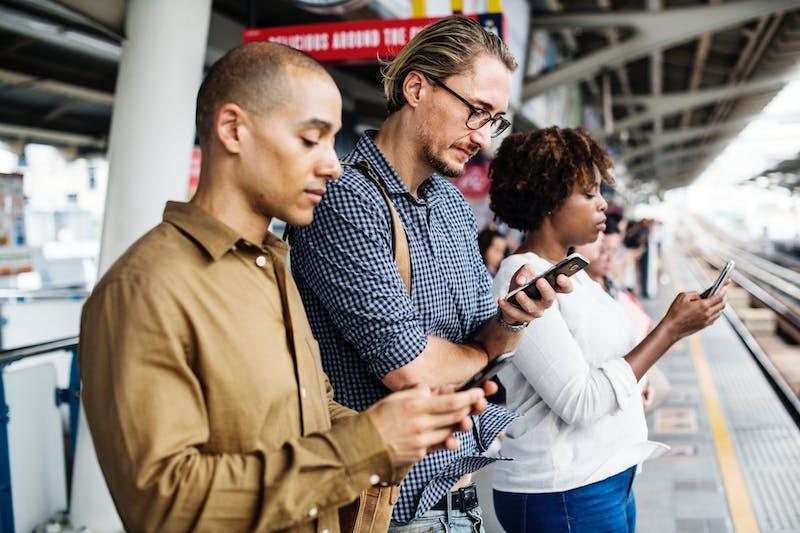 cuánto cuesta enviar SMS masivos